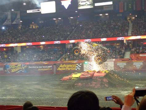 monster truck show in chicago review and photos advance auto parts monster jam at
