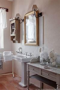 une ancienne magnanerie au style shabby chic maison creative With meuble salle de bain shabby