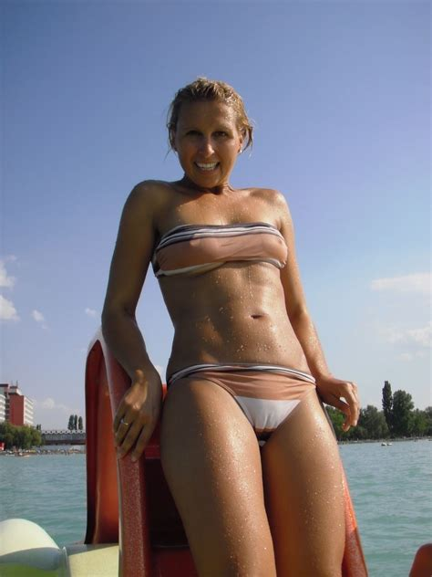 Cameltoe Bikini Hottie Realgirls