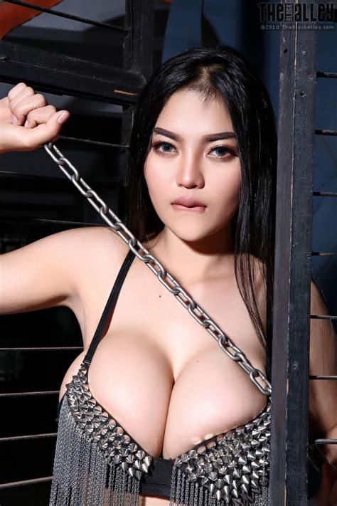 Pitta Kinky The Black Alley Curvy Erotic