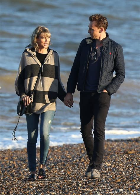 Taylor Swift and Tom Hiddleston With His Mom in the UK ...