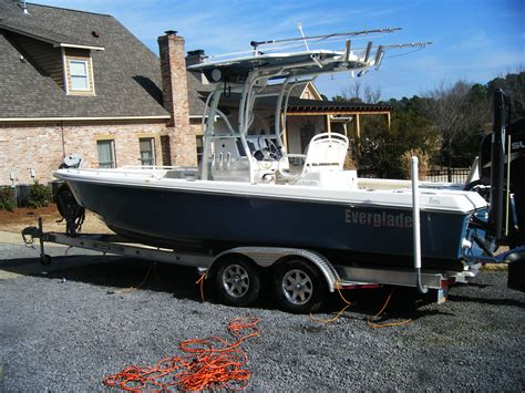 Regulator Boats Vs Everglades by Everglades 243 For Sale Or Possible Trade The Hull
