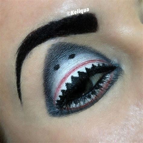 hawaii woman  incredible sharkweek eyes atshark