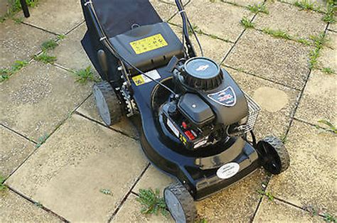 briggs stratton 450 series 148cc briggs and stratton 450 series 148cc petrol push lawnmower mint condition lawnmowers shop