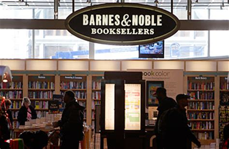 barnes and nobles books as borders closes bookshops rival barnes noble survives