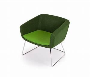 Petit Fauteuil Design : petit fauteuil d appoint design 19 id es de d coration int rieure french decor ~ Teatrodelosmanantiales.com Idées de Décoration