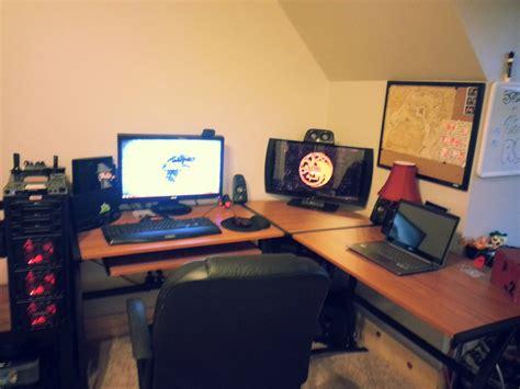 cool desk set  gaming computer setup cool computer