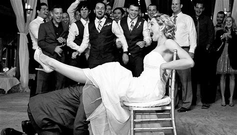 15 American Wedding Traditions That Have Shocking Origins