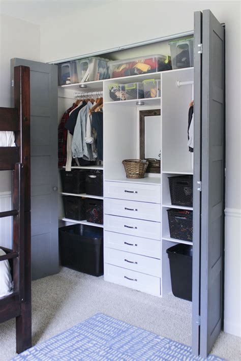 Small Closets by Build This Terrific Small Closet Organizer