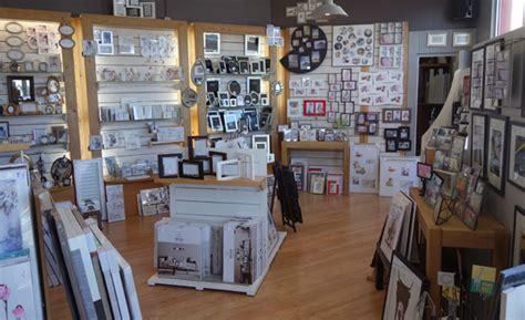 magasin encadrement idee cadre magasin d encadrement cadre sur mesure peinture sur toile