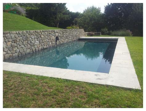 amenagement paysager autour d une piscine creusée am 233 nagement paysager autour d une magnifique piscine