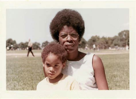 Lenny Kravitz And His Mother Roxie Roker Enn Krvitz