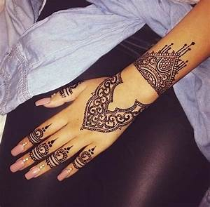 Henna tattoo black girl art nails creative nail