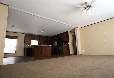 fleetwood entertainer mobile home floor plan