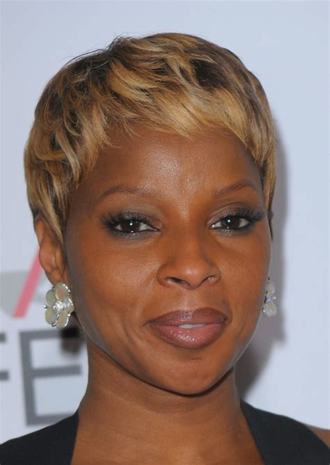 top 12 upscale short hairstyles for black women over 50