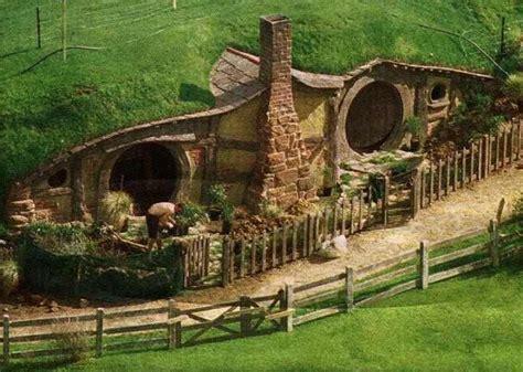 real hobbit homes hobbit house new zealand real wowz things pinterest