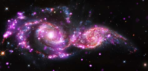 Space Observatories Zero In On Colliding Galaxy Pair Ngc