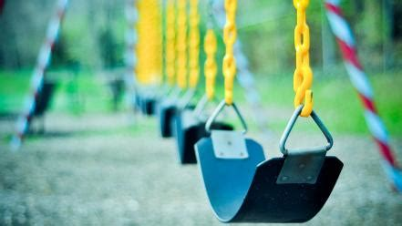 swings chains playground blurred background wallpaper