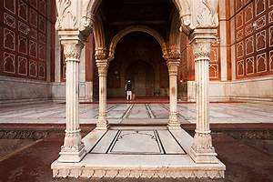 Holy Hall - The cavernous entrance to Jama Masjid'sprayer ...