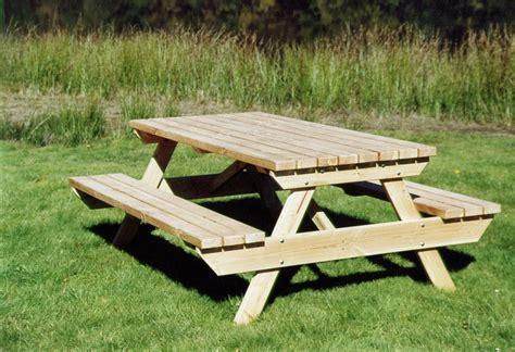 table de jardin tresse pas cher table en bois de jardin pas cher ekipia