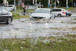 Heavy storms over Holland bring flash floods, tear down ...