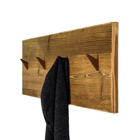 möbel aus altem holz garderobe aus altholz eisen barrique mbel altholz und eisen in