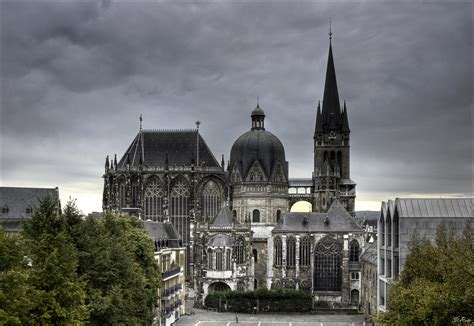 What Are Cathedral Ceilings by Age Of Aachen Cysion Tripping