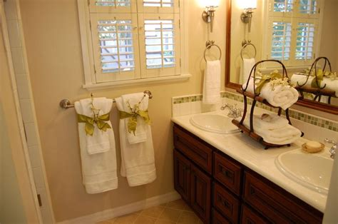 bathroom staging ideas 1000 ideas about bathroom staging on pinterest bathroom vanity decor bathroom counter decor