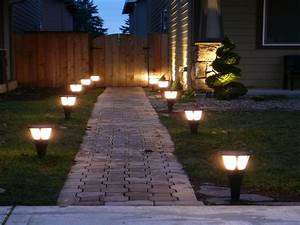 Best solar landscape lights outdoor accent lighting ideas for Outdoor accent lighting ideas