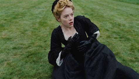 Emma Stone y Rachel Weisz protagonizan el nuevo tráiler de ...
