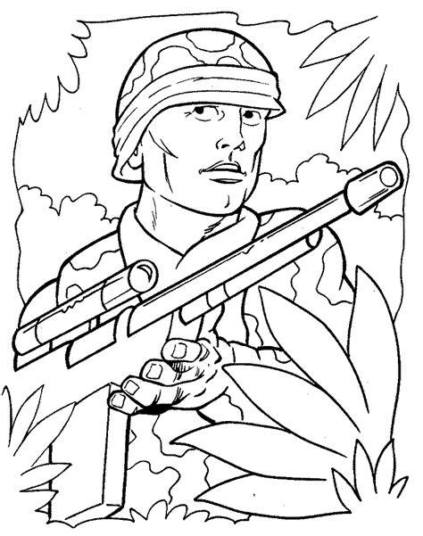Kleurplaat Soldaten Met Geweer by Kinderpleinen Oorlog Wapens Leger Kleurplaten