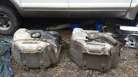 ford excursion gas tank capacity