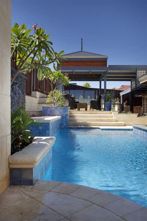 Backyard Pool Design Ideas by Backyard Landscaping Ideas Swimming Pool Design