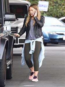 Hilary Duff Fills her car up at a gas station in Beverly ...