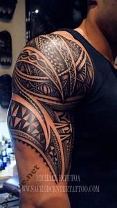 Maorie Tattoo Oberarm : best 25 mens shoulder tattoo ideas on pinterest tattoo man earth tattoo and tatted men ~ Frokenaadalensverden.com Haus und Dekorationen