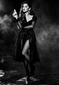 Ariana Grande ¡supersexy en la revista Complex!