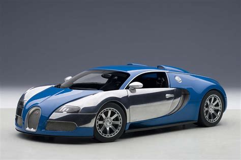 Highly detailed AUTOart die-cast model Blue/white Bugatti ...