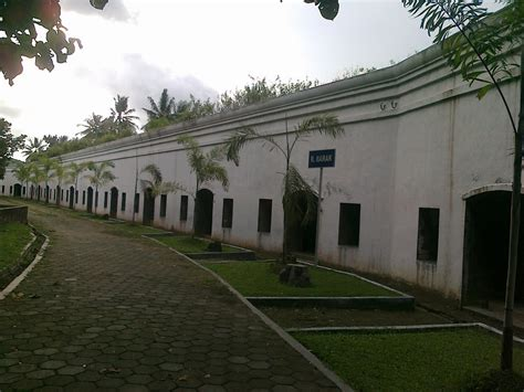 pesona indonesia pesona wisata benteng pendem cilacap
