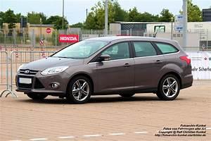 Ford Focus Turnier Kombi : ford focus turnier kombi mit f nf t ren und f nf sitzen ~ Jslefanu.com Haus und Dekorationen