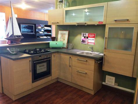 hauteur plan travail cuisine cuisine d 39 exposition cuisinella trend opale 33