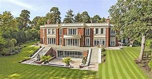 Dream Home: Luxurious modern mansion in St George's Hill ...