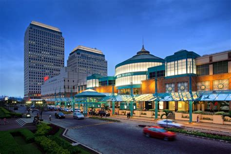 jakarta high  malls   luxury shopping whats