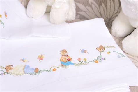 ricamo  mano buscar  google bordado hand embroidery embroidery  baby sheets