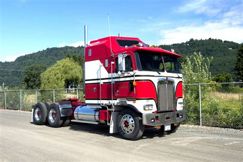kenworth truck kenworth k series heavyweight party pinterest busses