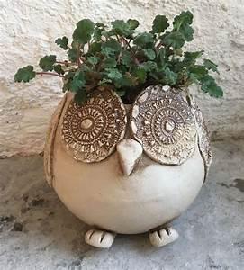 Töpfern Ideen Für Haus Und Garten : anleitung eule pflanztopf keramik ~ Frokenaadalensverden.com Haus und Dekorationen