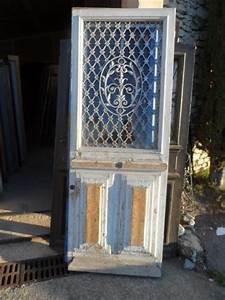 Grille Porte D Entrée : porte avec grille en fonte en l 39 tat portes antiques ~ Melissatoandfro.com Idées de Décoration