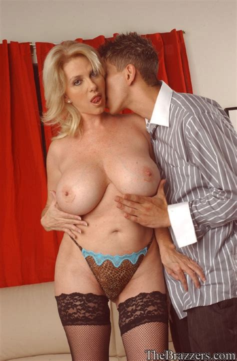Mature Blonde Penny Porsche Denudes Huge Puffy Tits And