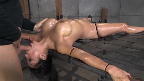 Lotus Lain Gets Lead To Suck A Big Cock In Bdsm Game Porndoe