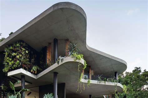 Modern House   Planchonella House by Jesse Bennett Studio