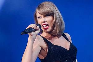 Taylor Swift Rocks Saturday Night Live for the First Time ...